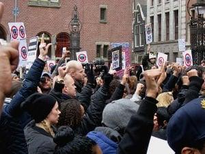 Демонстрация против Zwarte Piet. CC-BY Constablequackers.
