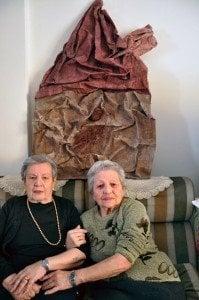 Сестрите Фортуни Гани и Хрисула Елиаса. Снимка: Артемис Алкалай.