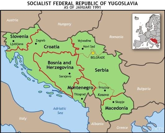 Югославия в навечерието на войната от 1991 г. Червените линии очертават шестте републики на федерацията.