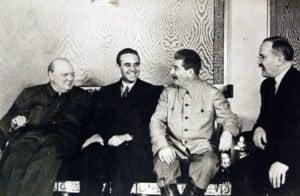 Тримата големи Чърчил, Хариман/американския посланик в Москва/ и Сталин. (снимка)