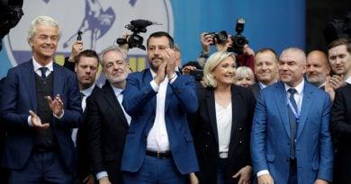 На националистическия митинг в Милано участва Марин Льо Пен, тя е със сериозни шансове да спечели евроизборите