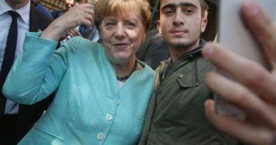 Ако Меркел бе затворила германската граница, Австрия и Унгария нямаше да издържат тежестта на бежанците