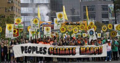 """""""Резервна планета няма!"""" е лозунгът на многохилядните протести на днешните деца, последователи на Грета Тунберг"""