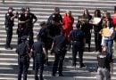 Джейн Фонда с белезници, скандирала лозунги за действия срещу климатичните промени