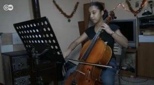 С класическа музика срещу мизерията в ромския квартал
