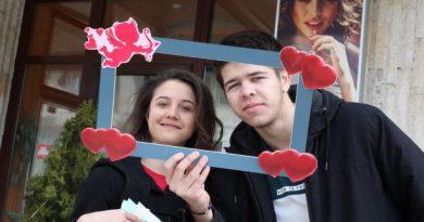 """В рубриката """"30 лица"""" чуйте Рена Керезова: Доброволци ще изработват за утрешния празник валентинки с екологични продукти"""