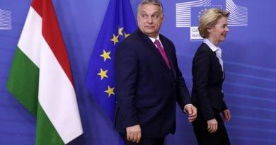 """Урсула фон дер Лайен определи Орбан като """"типичен пример"""" за """"политически двойни стандарти"""""""