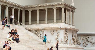 """Берлин: Вандализъм на музейни артефакти свързан с """"теоретици на конспирацията"""""""