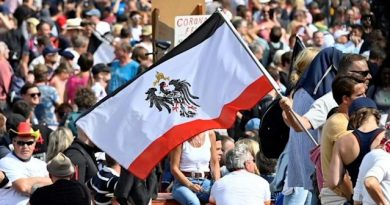 Германските анти-ваксъри присвояват символа на нацистката съпротива Софи Шол